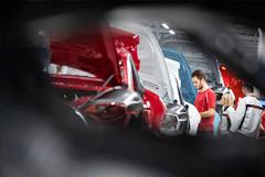 Европейские автопроизводители остановили производство