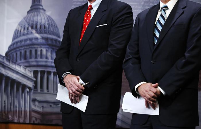 Коррумпированные сенаторы США делают на пандемии свой гешефт. О чем умалчивают наши либеральные СМИ