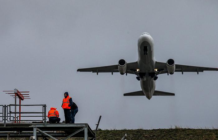 РФ ограничит авиасообщение с Турцией рейсами в Стамбул и вывозными чартерами