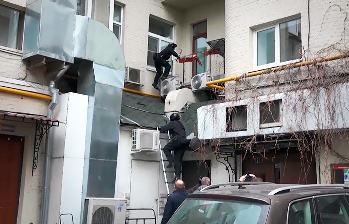ФСБ задержала свыше 30 членов хакерской группы, торговавших данными кредиток