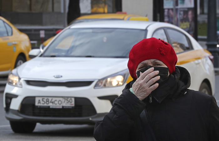 Под указ о самоизоляции попали 1,8 млн пожилых москвичей