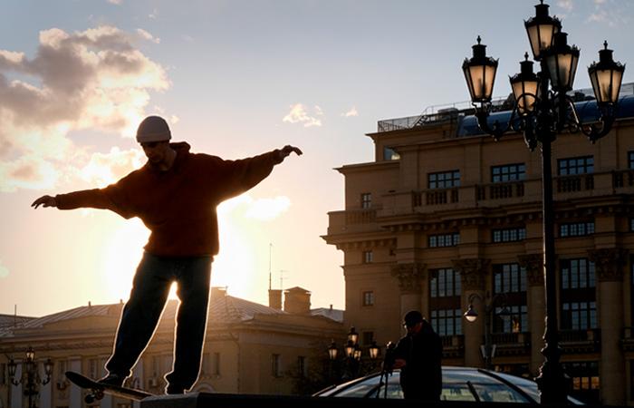 Полиция Москвы попросила горожан не посещать общественные места