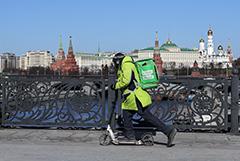 В Москве резко выросло число желающих стать курьером