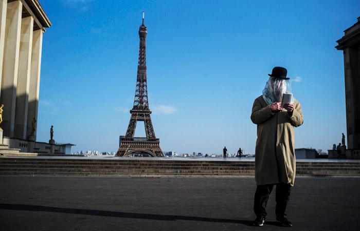Власти Франции продлили карантин в стране еще на две недели