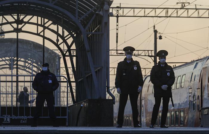 Власти Москвы вводят систему спецпропусков для выхода горожан из дома