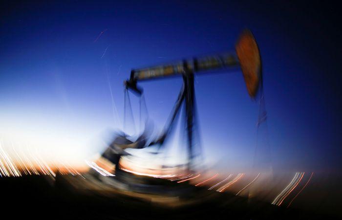 Нефть WTI упала ниже $20/баррель, азиатские рынки идут вниз на фоне пандемии