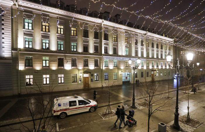 В Петербурге ввели режим самоизоляции для всех граждан
