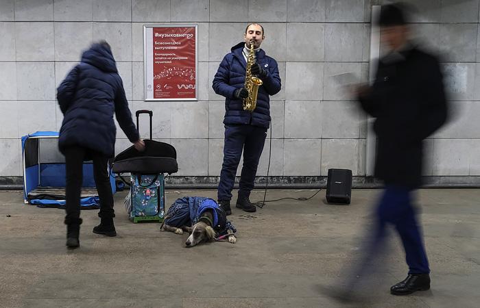 10 тыс. москвичей обратились в первый день за пособием по безработице на период пандемии