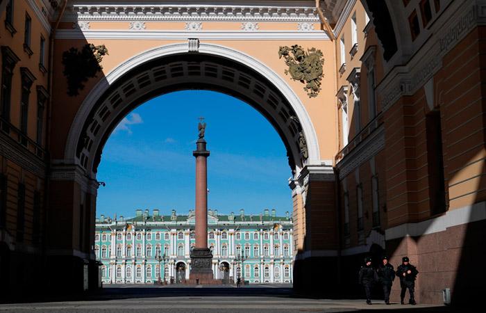 Метро Петербурга с 1 апреля будет закрываться на вход в 22:00