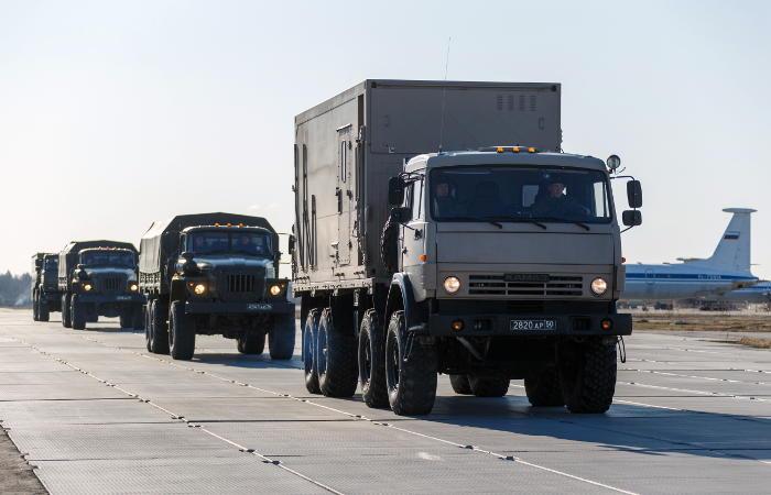 Самолет ВКС РФ с медицинским оборудованием на борту вылетел в США