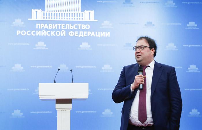 Министр связи объяснил, как будут контролировать карантин через сотовую связь
