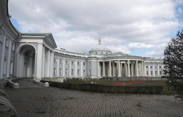 На лечении в Институте Склифосовского находятся 53 пациента с коронавирусом