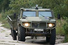 """В РФ создали броневик """"Тигр"""" для безопасного передвижения во время пандемии"""