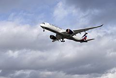 Российские авиакомпании снизили перевозки в марте почти на 27%