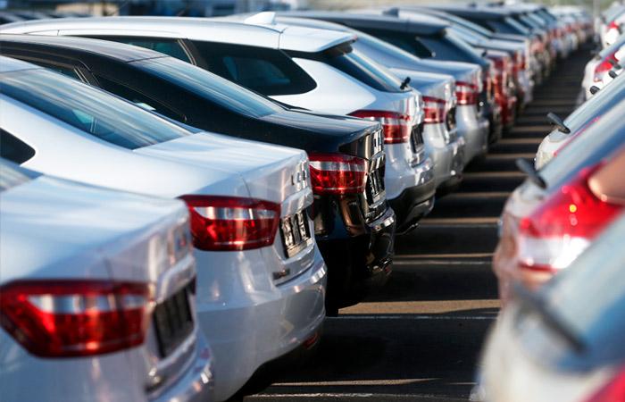 Продажи легковых машин и LCV в РФ в марте неожиданно выросли на 4%