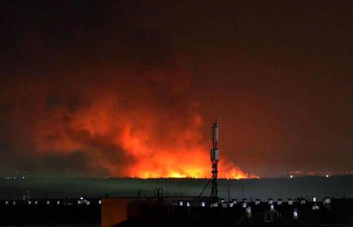 В бунтующей ангарской колонии загорелись три здания