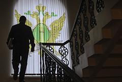 Судебные приставы предложили на полгода прекратить взыскивать долги с граждан