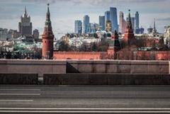 В преддверии введения пропусков дороги Москвы опустели и закончилось импортное пиво