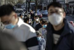 За сутки в материковом Китае выявлено 108 новых случаев заражения коронавирусом