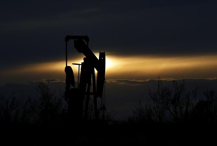 Нефть дорожает более чем на $1 после соглашения ОПЕК+ о снижении добычи