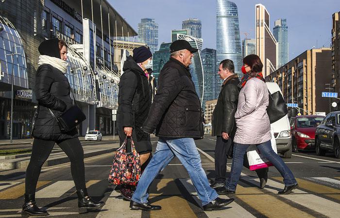 Каждый третий москвич приостановил работу из-за коронавируса