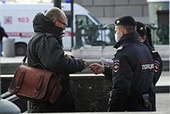Собянин назвал критичными утренние очереди в метро из-за проверки пропусков