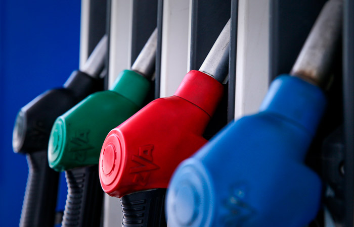 Снижение производства бензина в России ускорилось до 14,6%