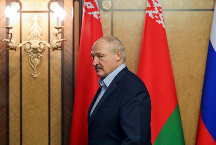 Лукашенко раскритиковал российские тесты на коронавирус