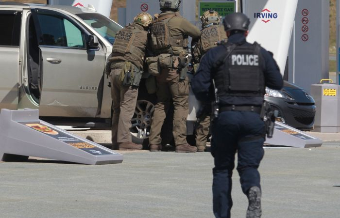 Число жертв стрельбы в Канаде выросло до 16 человек