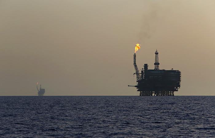 Цена нефти Brent опустилась ниже $20 за баррель впервые с февраля 2002 года