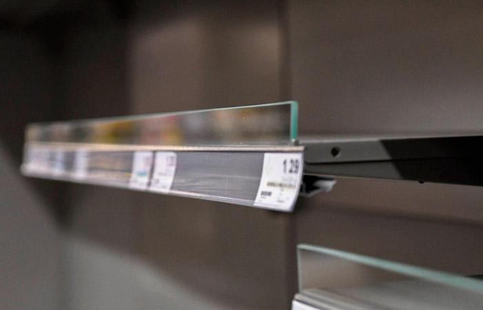 Ажиотажный спрос подстегнул в РФ производство продуктов с длительным сроком хранения