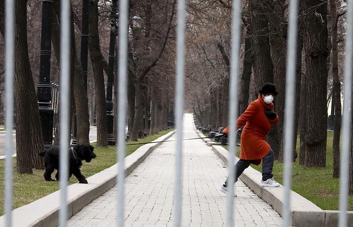 Полиции Москвы дали право штрафовать нарушителей самоизоляции по московскому КоАП