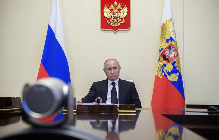 Путин заявил, что банки взяли на себя убытки, связанные с антикризисной помощью клиентам