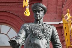 Памятник Жукову вернули на Манежную площадь