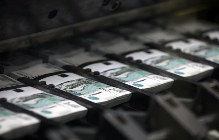 Россияне забрали в марте из банков вклады на 315 млрд рублей