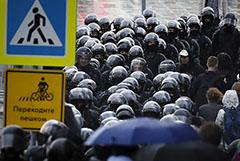 Вирусолог РАН предупредил о возможных массовых нарушениях самоизоляции в знак протеста