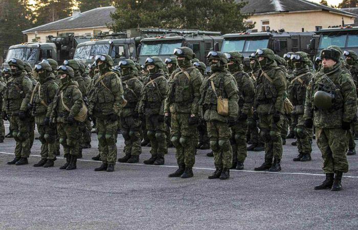 Коронавирусом заразились 874 российских военнослужащих