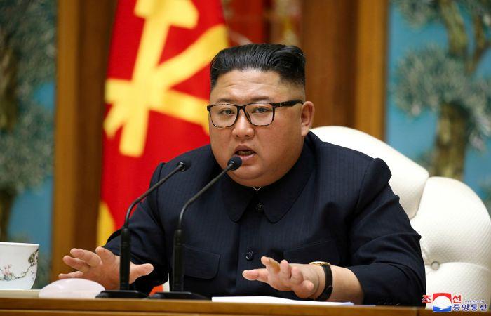 Ким Чен Ын две недели не появлялся на публике, СМИ сообщают о его болезни и смерти