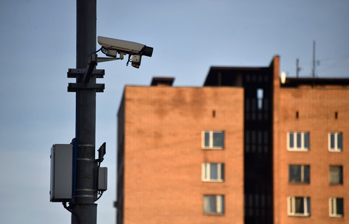 В Москве камеры начали штрафовать за передвижение на машине без пропуска