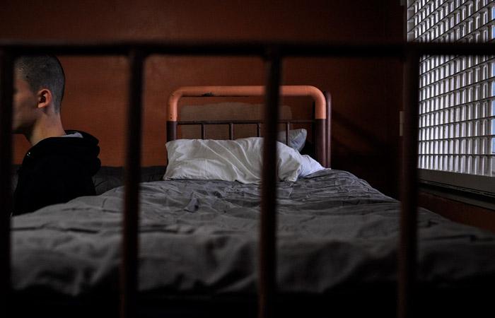 Почти 300 сотрудников ФСИН и 40 заключенных заразились коронавирусом
