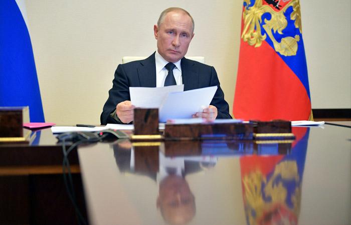Путин назвал грядущие майские праздники решающими в борьбе с коронавирусом