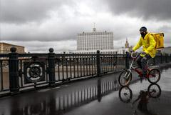 Коронавирус уравнял престижный центр Москвы и спальные районы