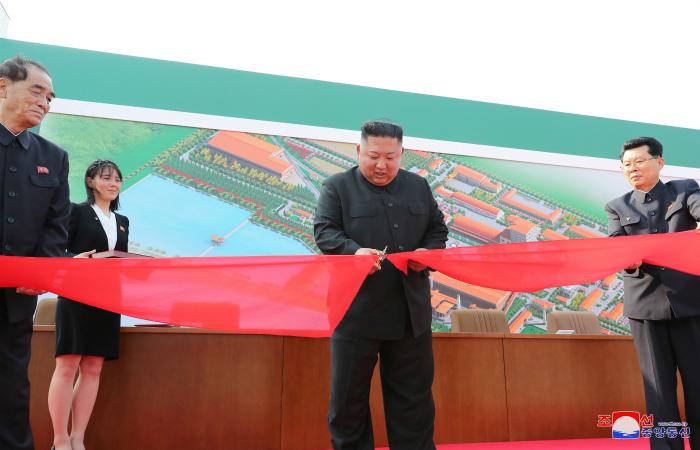 Ким Чен Ын впервые за 20 дней появился на публике