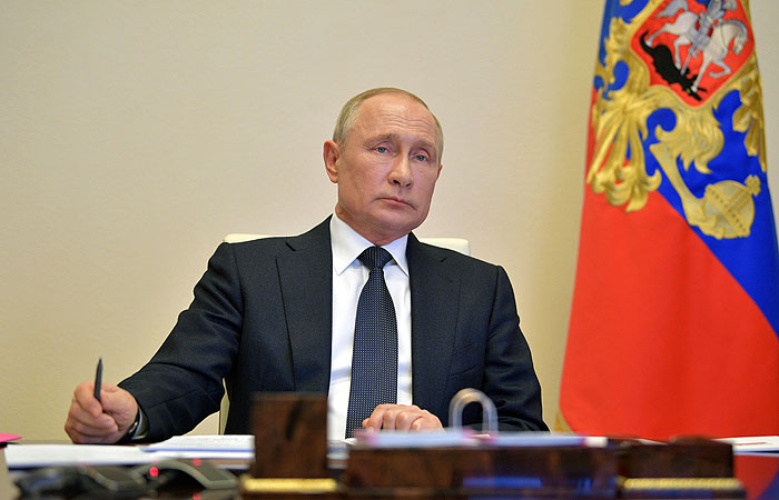 Путин объявил о завершении 12 мая периода нерабочих дней в России