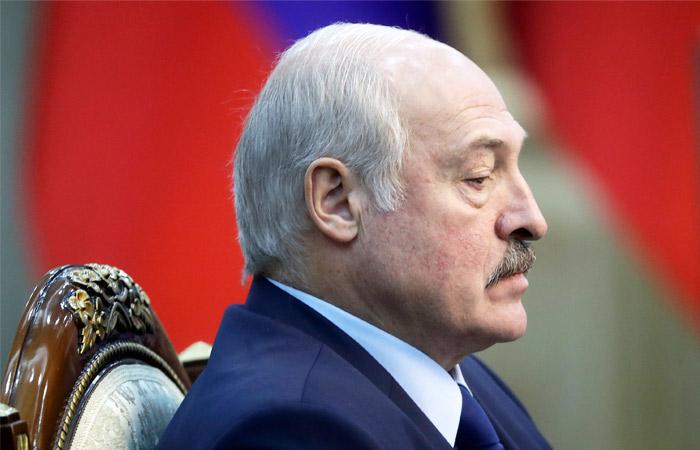 Лукашенко заявил, что Россия прибегла к белорусскому методу борьбы с COVID-19