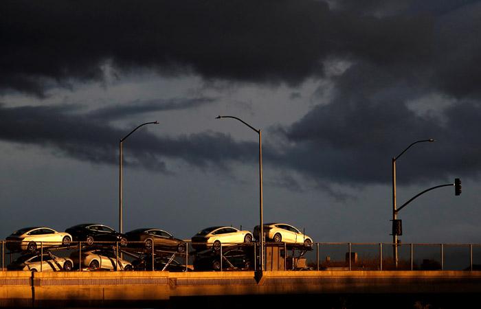 Tesla возобновит производство в Калифорнии вопреки запрету местных властей