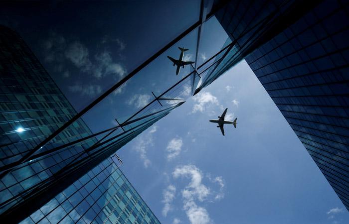 Роспотребнадзор рекомендовал авиакомпаниям заполнять самолеты наполовину