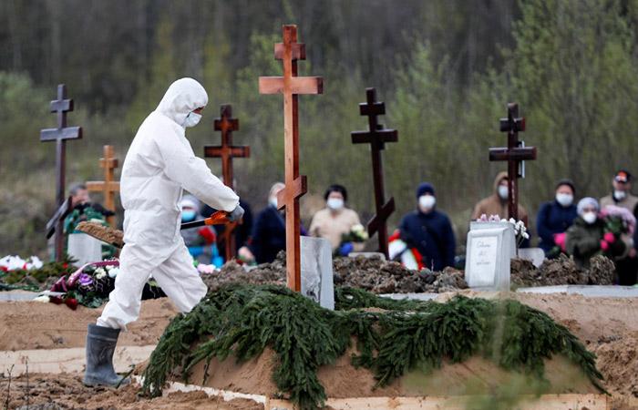 В Петербурге временно запретили прощание с умершими