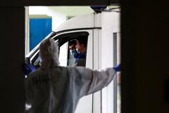 В РФ возбудили первое уголовное дело о невыплате врачам надбавок за работу с больными COVID