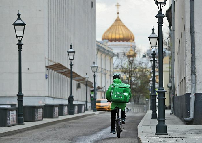 Delivery Club опроверг участие курьера в захвате заложников в банке в Москве